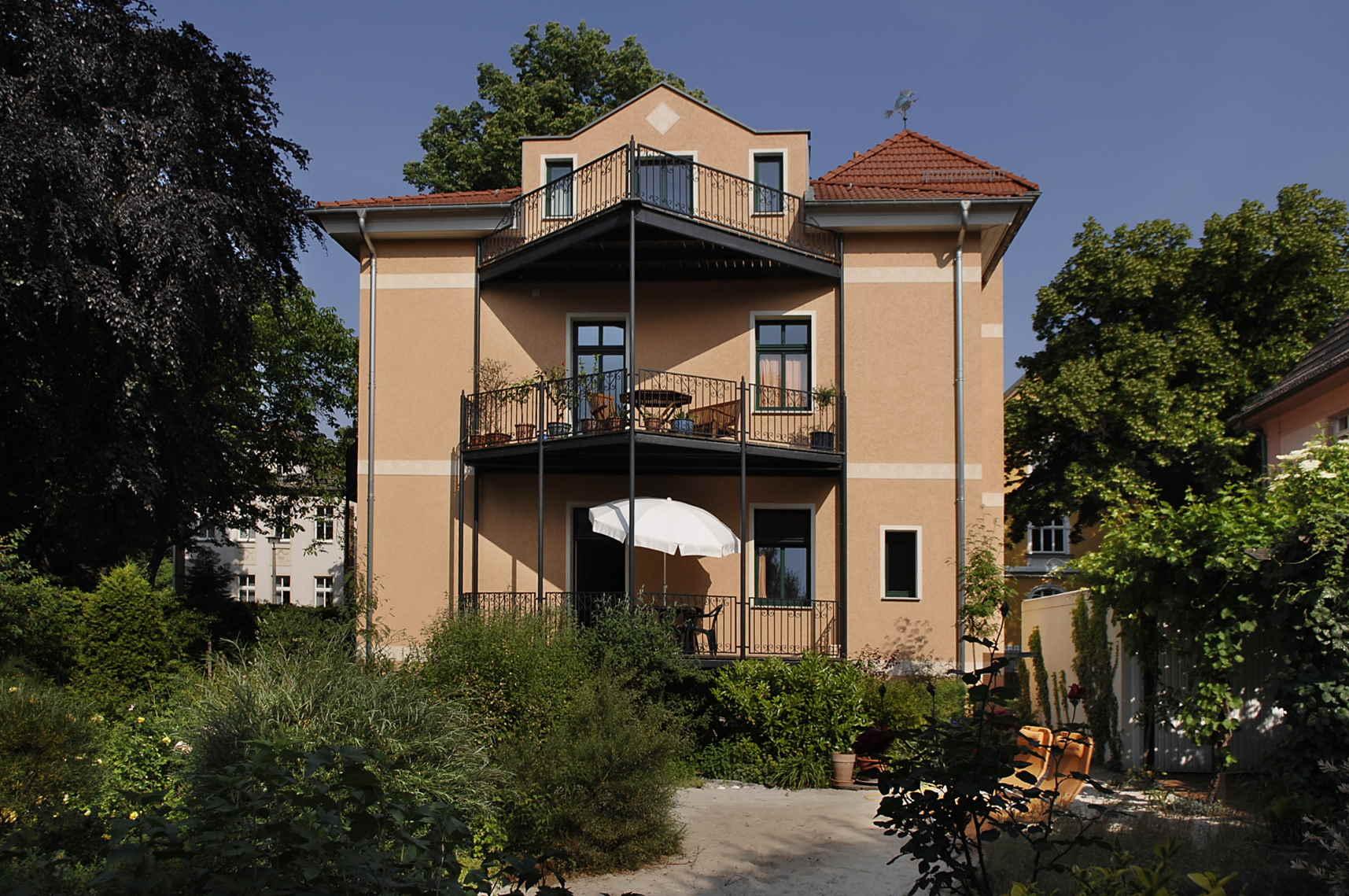 berlin villa seepark ferienwohnung. Black Bedroom Furniture Sets. Home Design Ideas